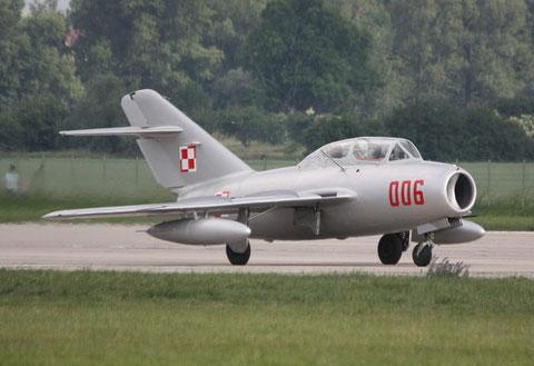 """MiG15 UTI SBLim-2 """" 006 """" ( SP-YNZ) Polish Air Force -1"""