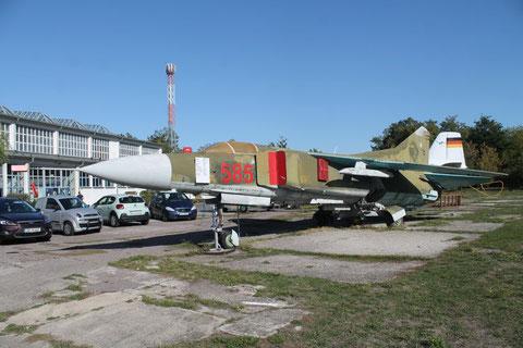 """MiG 23MF """" 585 """" NVA -2"""