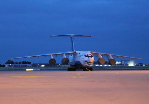 "IL 76TD-90SW "" 4K-AZ100"" Silk Way Airlines -4"
