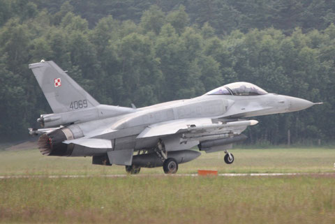 F16 4069-4