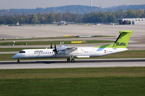 "Dash 8-402 "" YL-BAH "" Air Baltic -2"