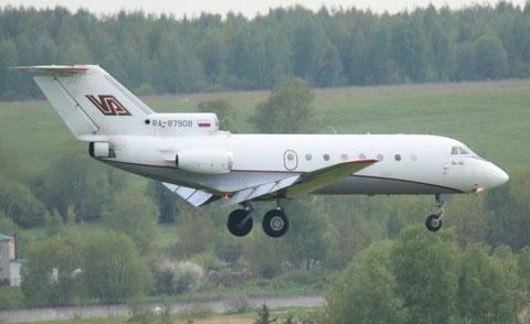 JAK40 RA-87908-2