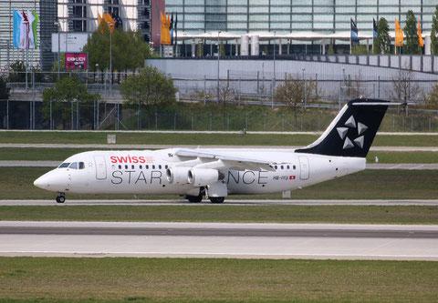 "BAe Avro RJ100 "" HB-IYU "" Swiss -1"