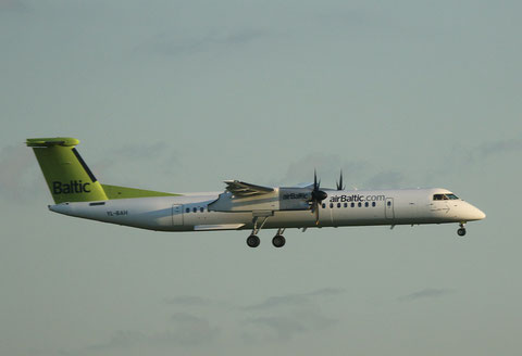 "Dash 8-402 "" YL-BAH "" Air Baltic -1"