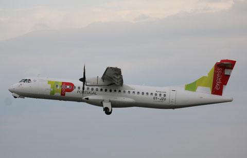 "ATR 72-212A (500) "" OY-JZU ""  TAP Express -1"