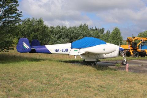 """L 200D Morava """" HA-LDB """" -1"""