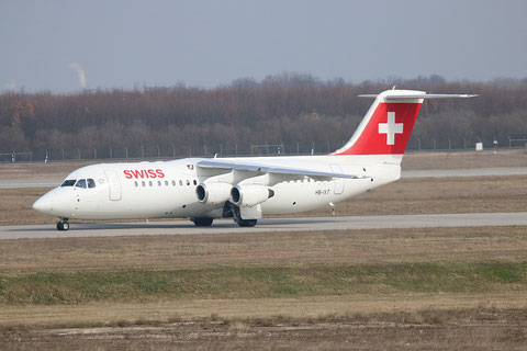 "BAe Avro RJ100 "" HB-IXT "" Swiss -2"