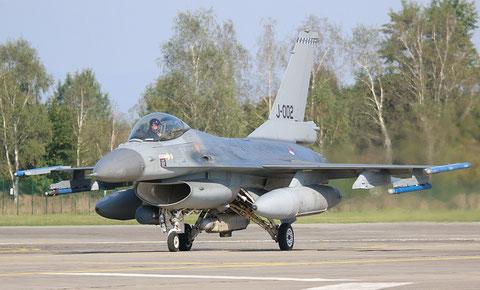 F16 J-002-2