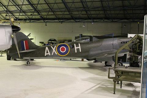 Spitfire MT847-4