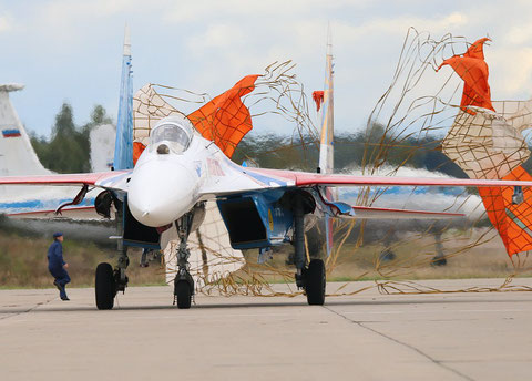 "SU 27P  "" 02 ""  Russian Knights / Russian Air Force -6"