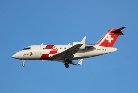 "CL-600-2B16 Challenger 604 "" HB-JWB "" REGA Swiss Air Ambulance -2"