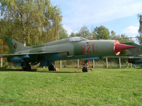 MiG21 821-2