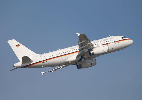 """A319-133X CJ """" 15+01 """"  Flugbereitschaft des Bundesministeriums der Verteidigung -2"""