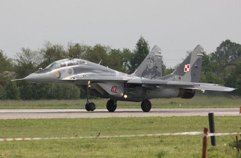 MiG29UB 42-4