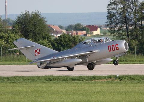 """MiG15 UTI SBLim-2 """" 006 """" ( SP-YNZ) Polish Air Force -7"""