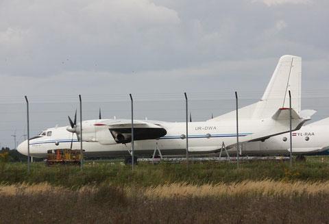 "AN 26B "" UR-DWA ""   Aero Charter Airlines -1"