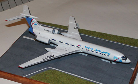 "TU-154M "" RA-85833 ""  Ural Airlines  Zvesda 1/144 -1"