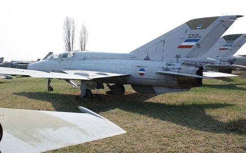 """MiG 21US """" 22953 """" Jugoslawische Luftstreitkräfte -1"""