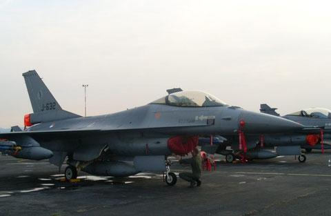 F16AM J-632-2
