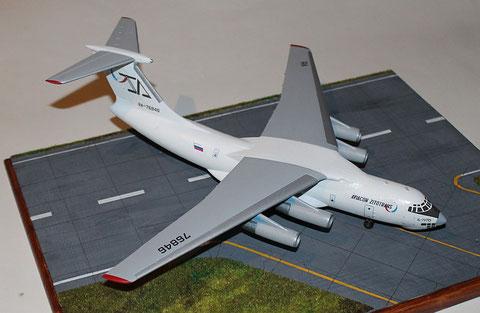 "IL 76TD "" RA-76846 "" Aviacon Zitotrans   Trumpeter  1/144-1"