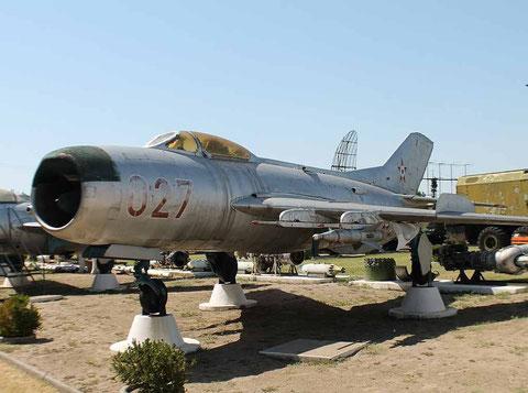 MiG19 027-2