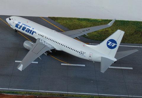 """B 737-800  """" VQ-BJF """"  UTair   Zvesda  1/144 -4"""