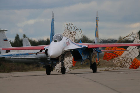 "SU 27P  "" 12 ""  Russian Knights / Russian Air Force -4"