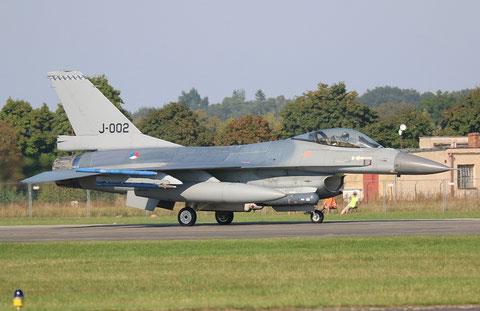 F16 J-002-1