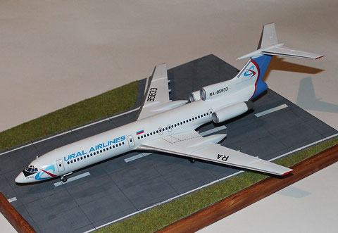 "TU-154M "" RA-85833 ""  Ural Airlines  Zvesda 1/144 -2"