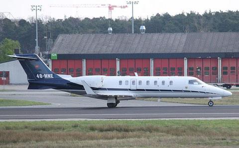 Learjet 4O-MNE-2