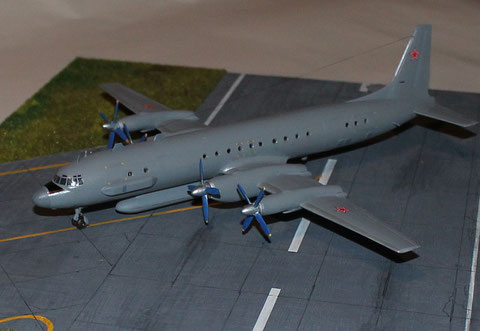 IL-20M  Eastern Express  1/144 -4
