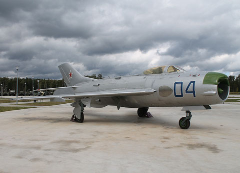 "MiG 19P  "" 04 ""  Russian Air Force -2"
