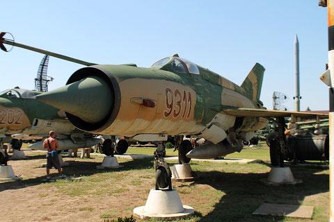 "MiG 21MF  "" 9311 ""  Hungarian Air Force -3"