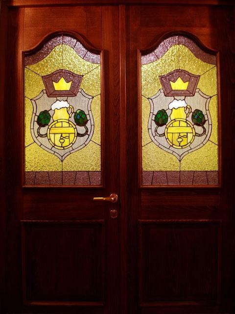 Витражные двери  пивного ресторана