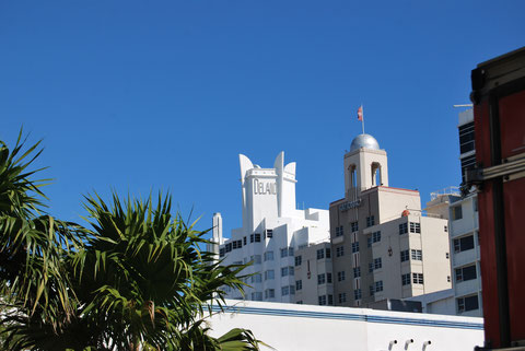 Art Deco Building Crowns Miami Beach Photography By Heidi Mergl Architect