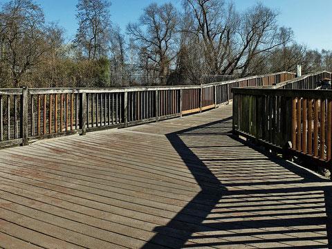 Holzbrücke zum Aquarius
