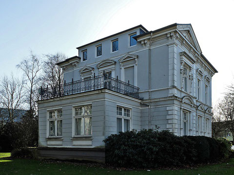 alte Villa Herminghaus am Forum Niederberg