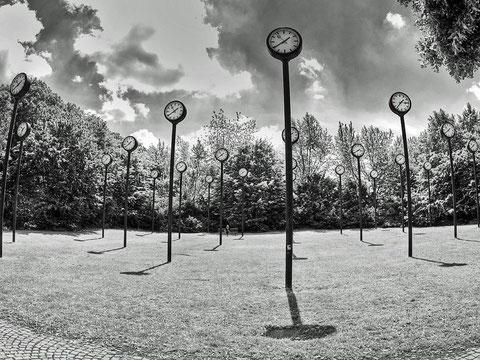 die Uhren / Volkspark Oberbilk