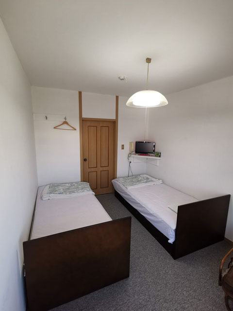 洋室(ベッド)二人部屋