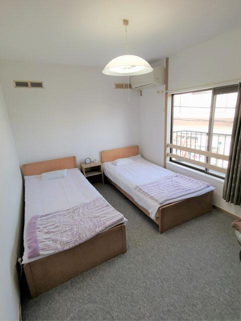 洋室(ベッド)の二人部屋