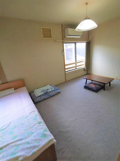 洋室5人部屋の布団の部分
