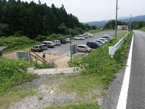 二ツ箭山登山口駐車場(下山後撮影)