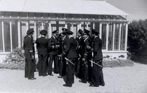 Die Offiziere des 1. SFltl in Urville 1941 - Bild aus dem Nachlass Kpt z.S. Künzel