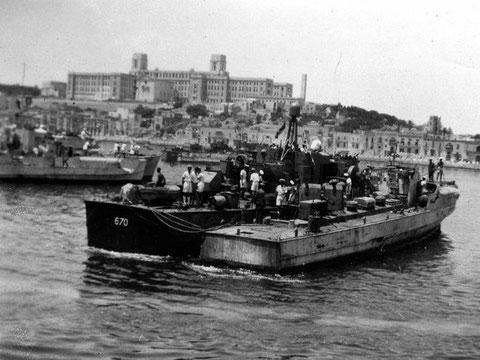"""""""S 61"""" und """"S 156"""" im Hafen von La Valetta/Malta - Bild: Archiv Ashley Gowing"""