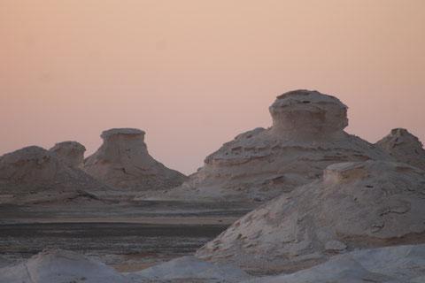So wie die Natur diese Steine einzigartig geformt hat, so ist auch jeder Mensch einzigartig und schön auf seine eigene Weise.