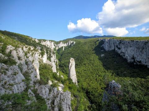 Die bizarren Felstürme sind auch ein Paradies für Kletterfreunde