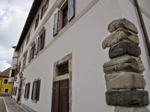 Der aus dem 16. Jahrhundert stammende sehenswerte Palazzo Veneziano in Malborgeth, das wohl schönste Gebäude des Kanaltales