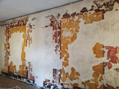 Rekonstruierte Wandmalereien aus dem Beratungszimmer