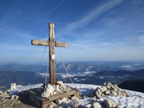 Das Gipfelkreuz des Mangart