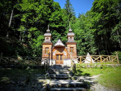 Die Ruska kapelica (Russische Kapelle) an der Vršič-Passstraße, errichtet 1916 von russischen Kriegsgefangenen